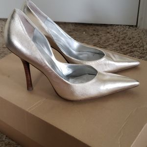 GUESS BY Marciano leather heels us 7.5 wom…